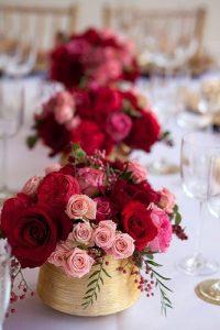gold-vase-for-wedding-centerpieces